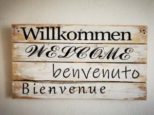 Wanddeko - Willkommen in 4 Sprachen