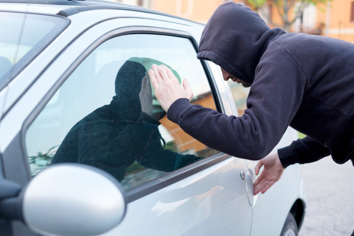 Police, Concerned Residents Meet to Discuss Vehicle Break-Ins