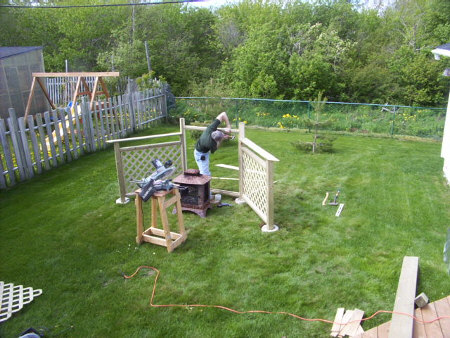 Framing a fire pit fence