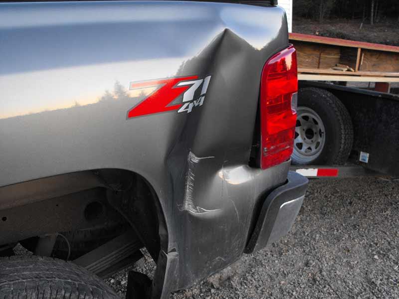 20141013-trucktrailerdamage-3