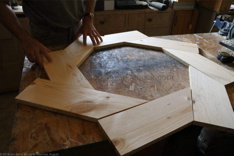DIY a round mirror frame.