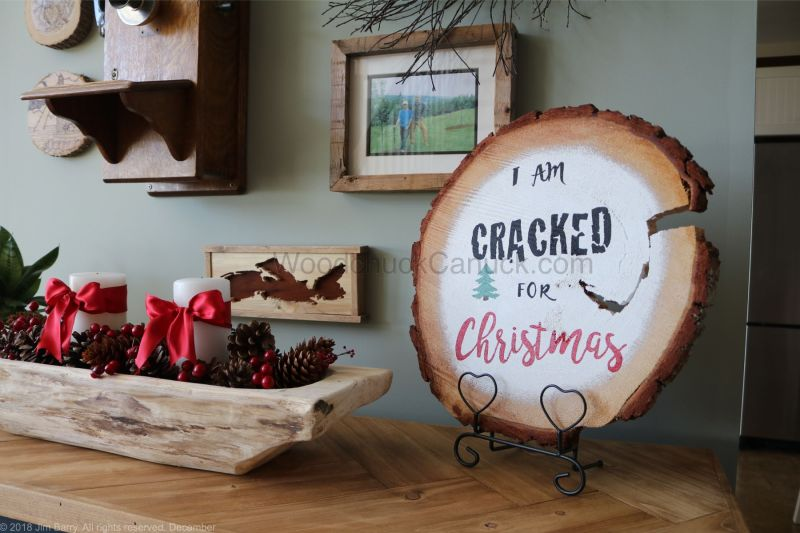 cracked for christmas,DIY,wood slices,painted signs