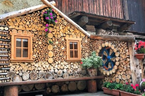 Wood love ... and fantasy. Little big discoveries to make in Val di Non, Italy.