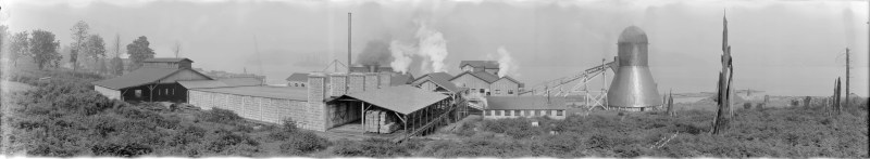 1922 A panoramic view of Walsh Construction Company and Vancouver Lumber Company