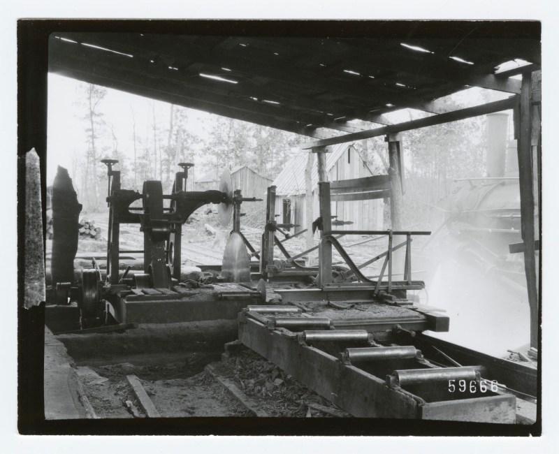 1910 circle sawmill at rest