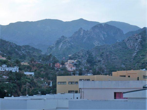 Vallehermoso; dawn on its way