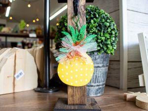 Mini Post Hanger Pineapple