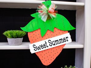 Strawberry Hanger Sweet Summertime