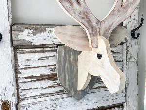 Christmas Deer Mount 2020