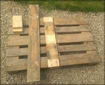 Whole pallet with extra planks and wooden blocks