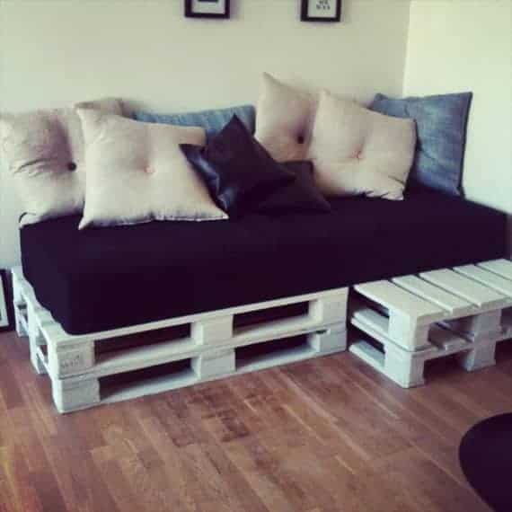 stacked-whole-pallet-sofa-and-daybed-with-cushion