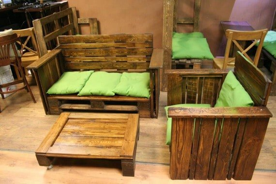 trimmed-pallet-furniture-for-living-space