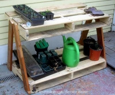 Garden-pallet-work-bench