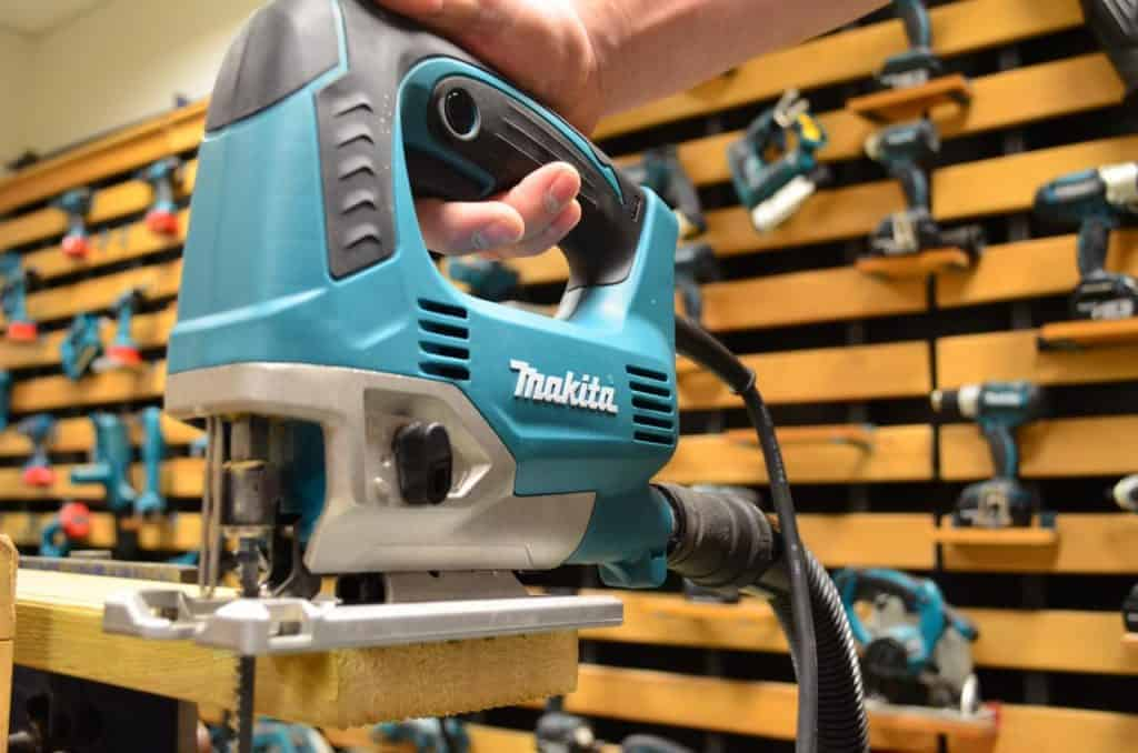 Tool Tips: How to Use Jigsaw Power Tool