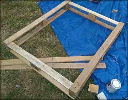 staining pallet sandbox frame