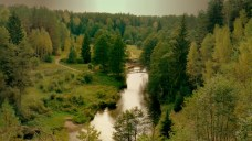 Ziūrų kaimo apylinkų Ūlos upės vingis.
