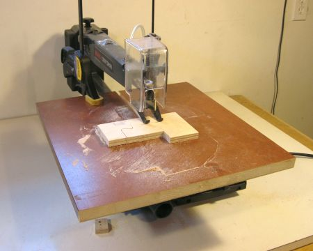 Picture Of A Scroll Saw