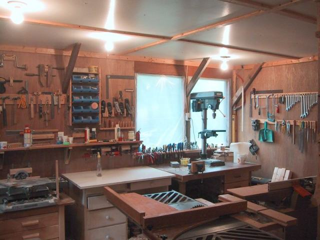 More views of the workshop: