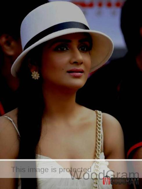 Parul Yadav Hot Photo