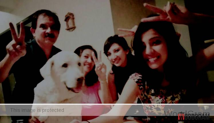 Barkha Singh With Her Father, Mother And Sister