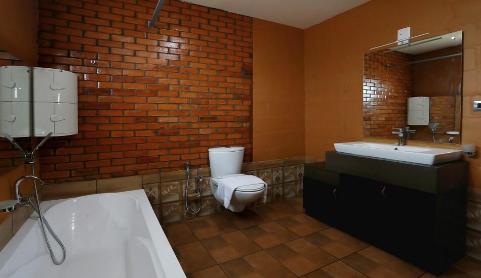 Ashoka - Bathroom