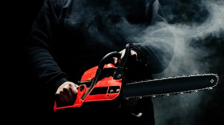 Chainsaw Chain Smoking- 3 Fixes Explained