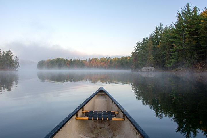 A misty morning paddle on La Pêche Lake.