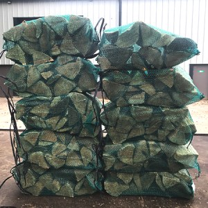 nets of kiln dried premium larch softwood logs