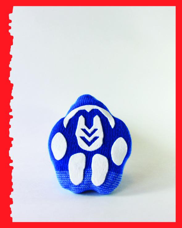 Blue with a bone, Advanced, bottom view.