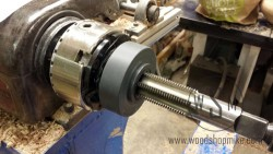 Vacuum Chuck, Tapping