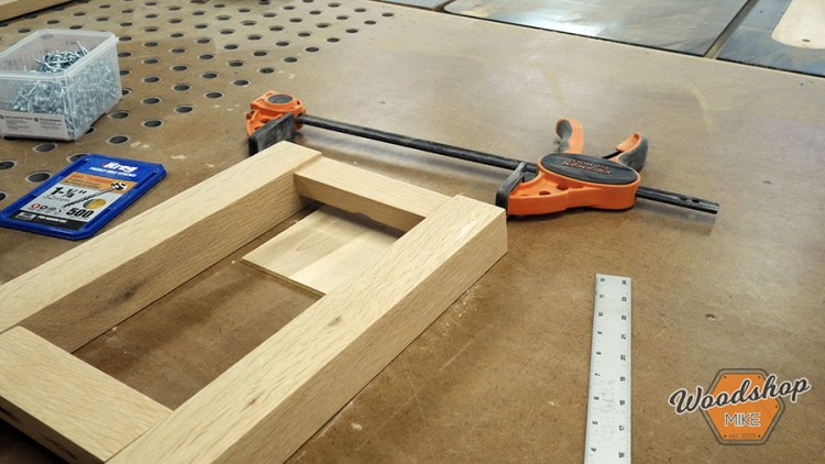 Leg Assembly 2 - DIY Farmhouse Entryway Bench