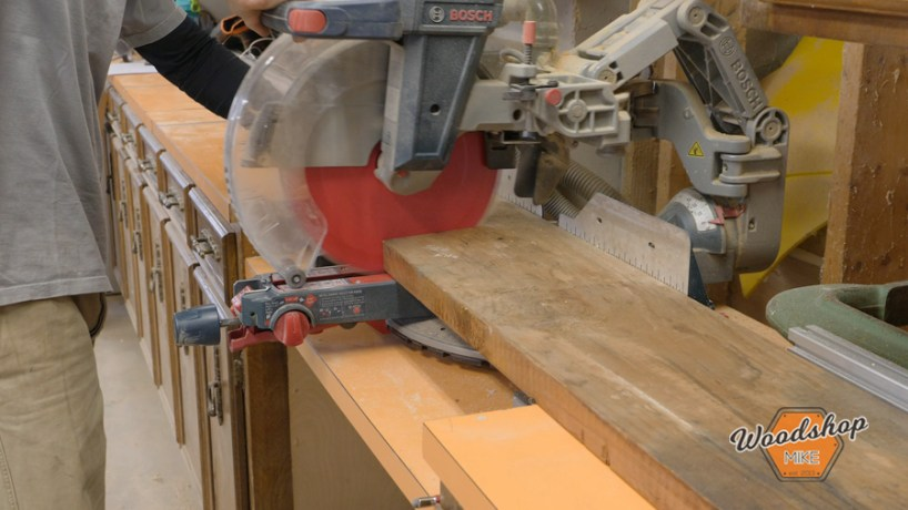 cross cutting lumber, make this easy to build rustic bed
