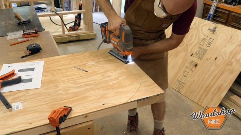 cutting door arc _ How to make a DIY chicken coop