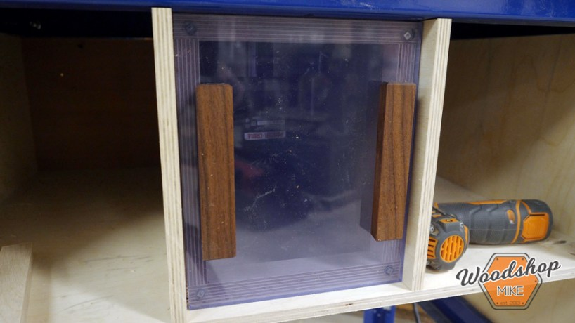 router table dust collection window