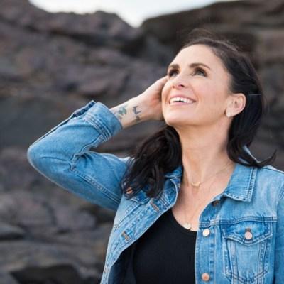 Laura-McKowen-Authors-Addiction-Woodstock-Bookfest-2020