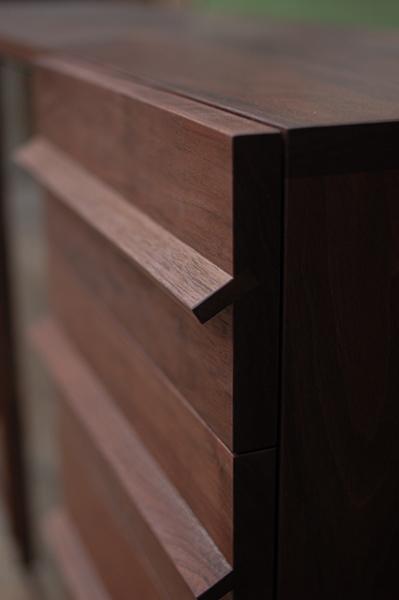無垢オーダー家具/チェストサイズのTVボード、取っ手部分アップ画像です
