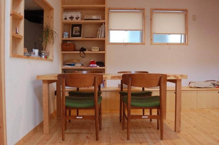 せん三枚接ぎ天板ダイニングテーブル、ご納品の様子です
