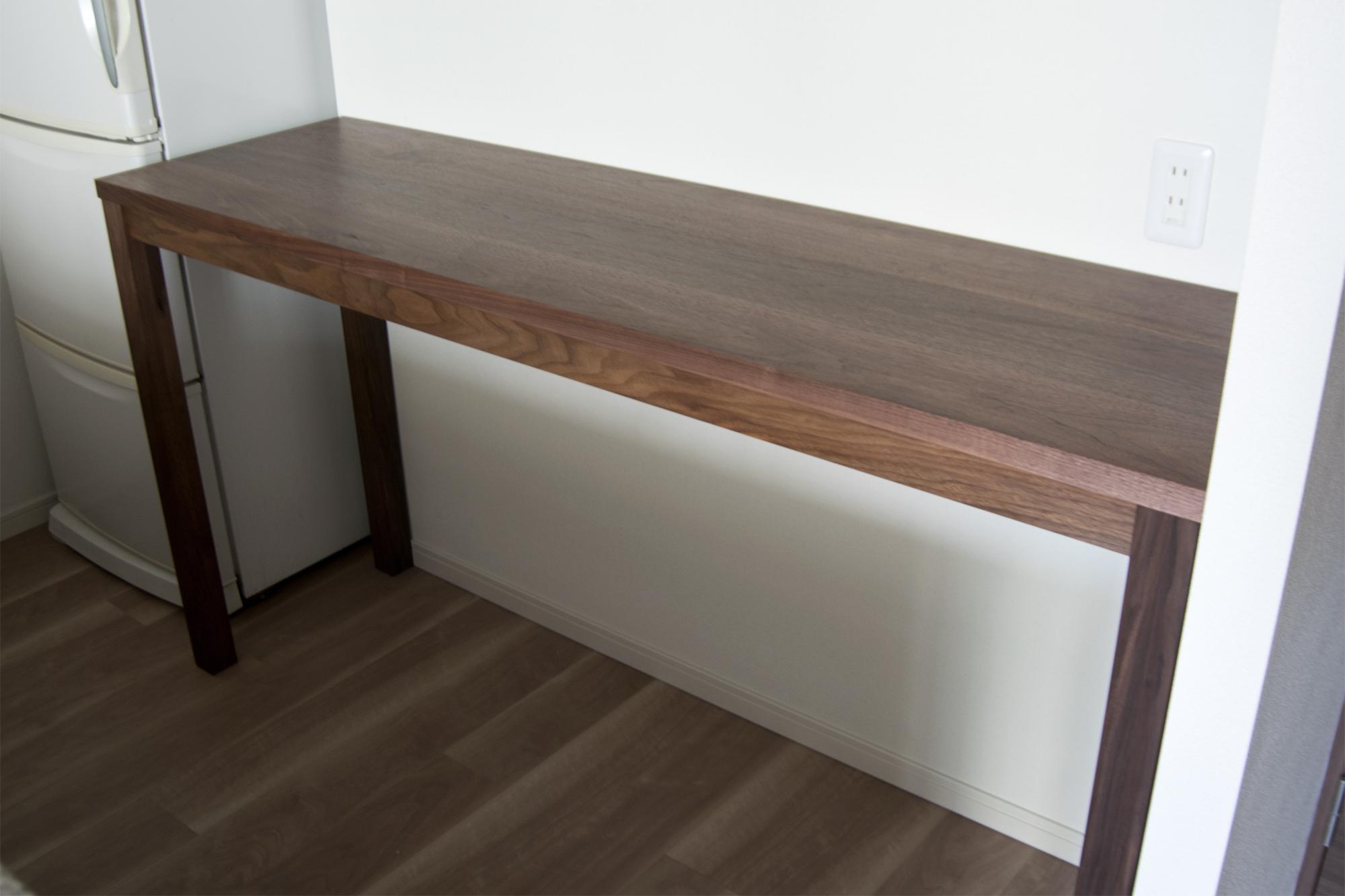 キッチンカウンターとして製作したウォールナット材のスタンダードテーブル・タイプ2