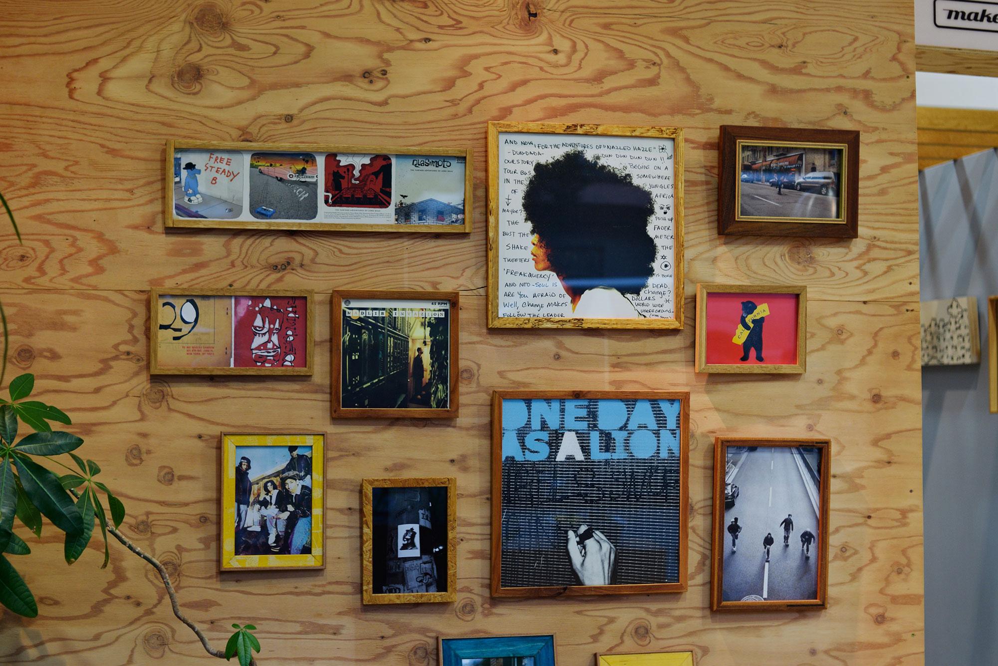 『Depth CRAFT Frame works』で展示中の越田さんのフォトフレームとレコードフレーム