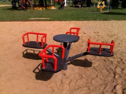 Woodwork AB-karusell med sittplatser