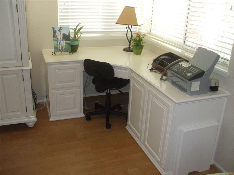 Built In Desk And Home Office
