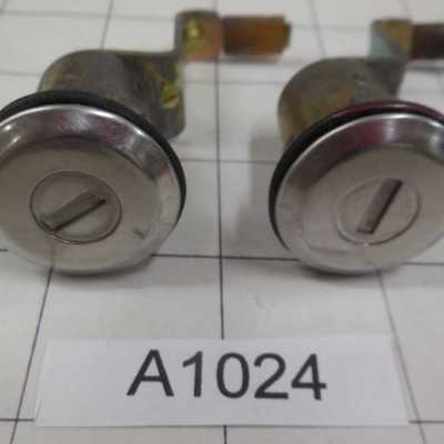 Datsun 240Z Door Locks (2)