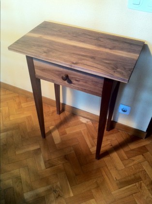 Shaker style table by Xavi Molina