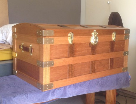 Tasmanian Oak, with Tasmanian Oak plywood.