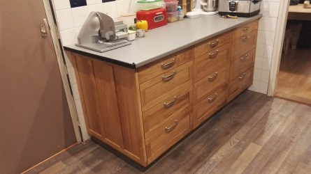 I made kitchen cabinets using oak for the edgebanding, the drawer fronts and the side panel. The main body/carcass i made from plywood. The Oak came from locally grown trees. For drawer runners i used full extention ball bearing rvs runner . On my youtube channel you can find several video's on building these cabinets. (RobsWoodshop)