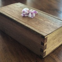 Mahogany dovetail box