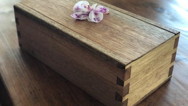 Mahogany dovetail box