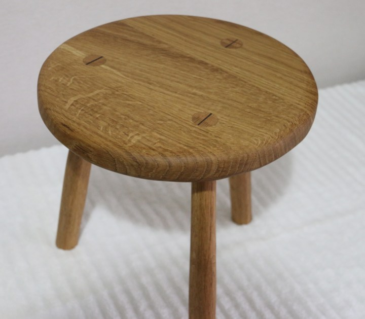 Oak, finished in boiled linseed oil