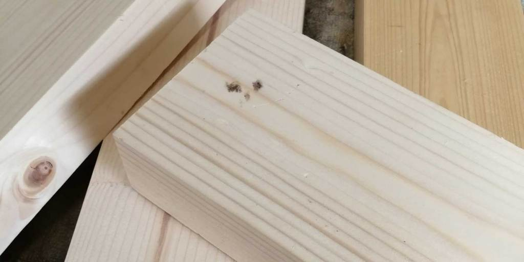 2x4 offcuts used for cracked box
