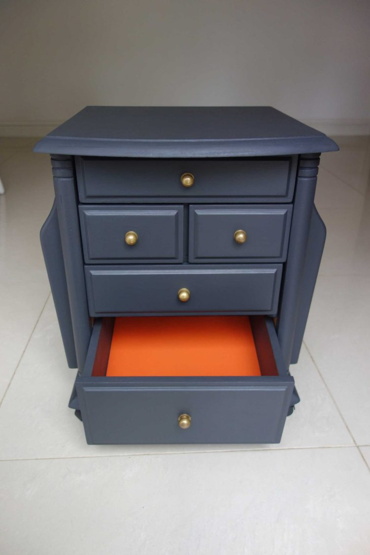 Upcycled side table - Front view with 1 drawer open